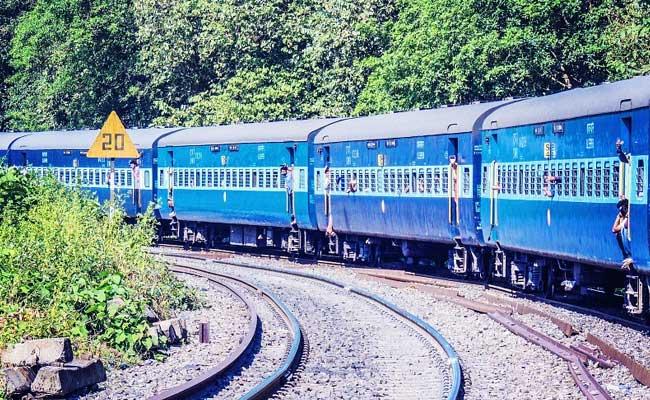 El hombre de Uttarakhand obtiene COVID + ve texto en el tren, 20 pasajeros en cuarentena