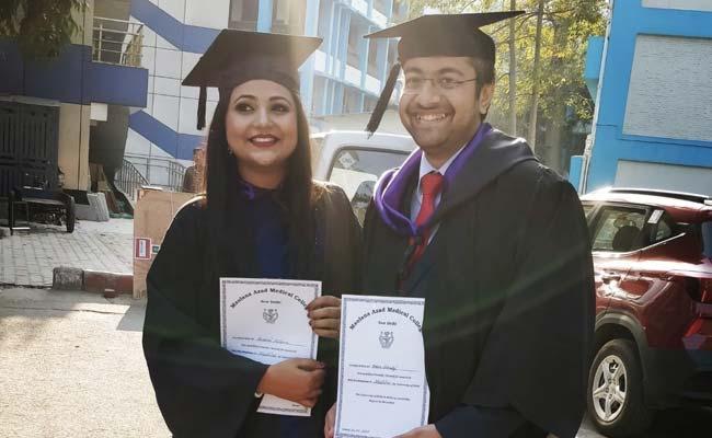 Un día en la vida de la joven pareja de doctores de Delhi, ambos guerreros codiciosos