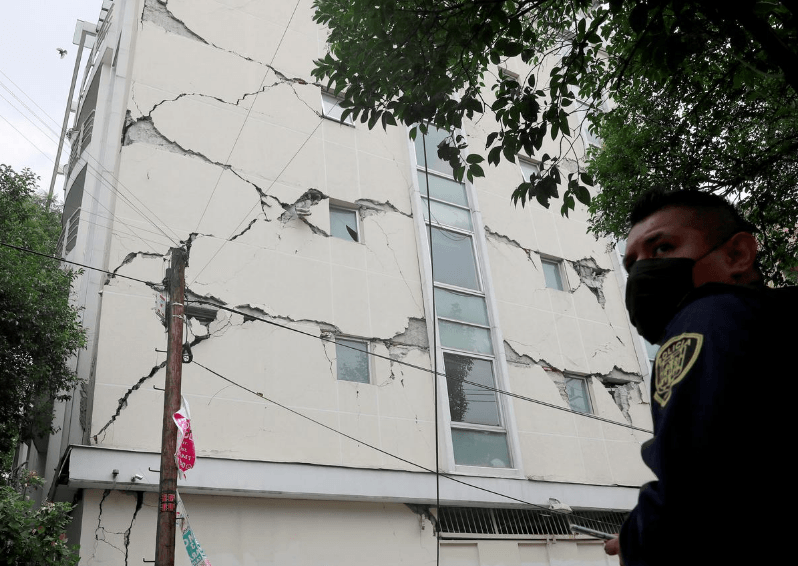 Mexico earthquake: Powerful 7.7 M quake kills 6, tsunami alert issued