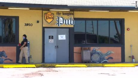 Licencia de licor de barra de Orlando suspendida luego de que docenas de clientes y trabajadores dieron positivo por coronavirus