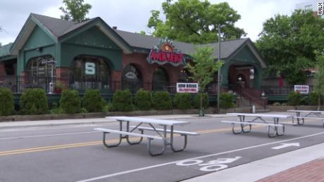 Se les pide a los clientes que se pongan en cuarentena después de que 85 personas que visitaron un bar de Michigan reciban Covid-19