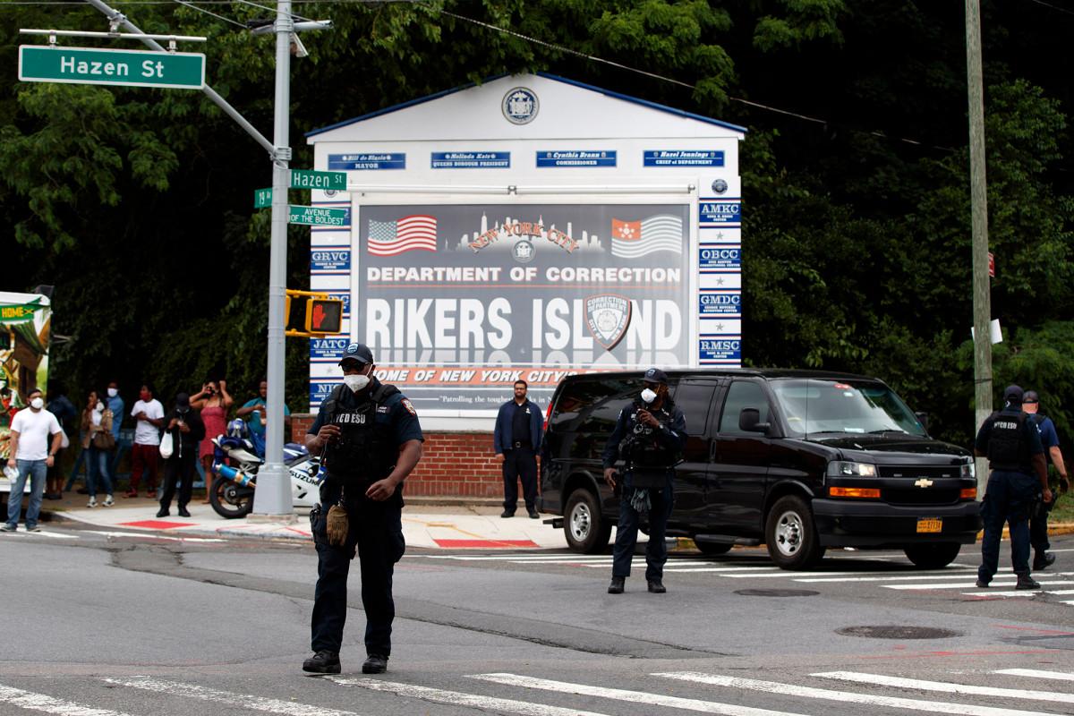 26 pandilleros acusados de apuñalamientos violentos en la isla Rikers