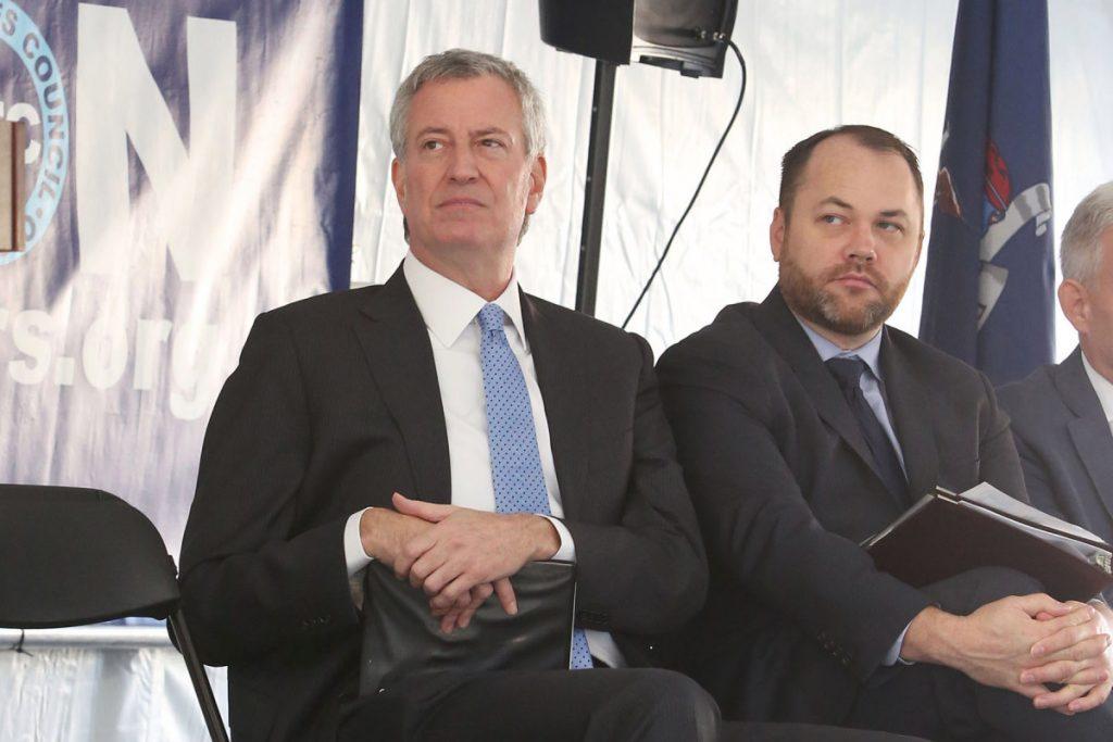 De Blasio, Consejo cerca del acuerdo presupuestario con un recorte de $ 1,000 millones en NYPD