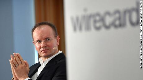 El CEO de Wirecard renuncia después de que faltan $ 2 mil millones y las acusaciones de fraude vuelan