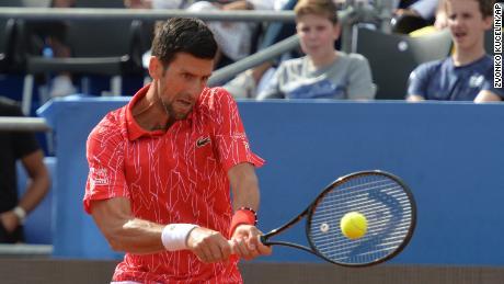 Djokovic regresa durante el Adria Tour en Zadar, Croacia.