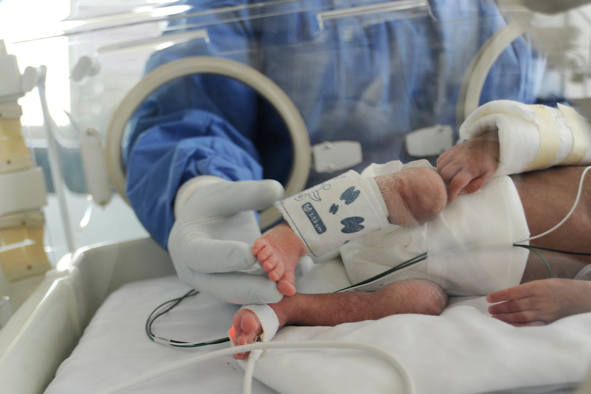Trillizos recién nacidos en México dan positivo por coronavirus