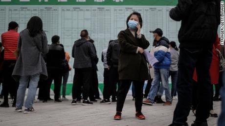 80 millones de chinos ya pueden estar sin trabajo. 9 millones más pronto competirán por empleos también