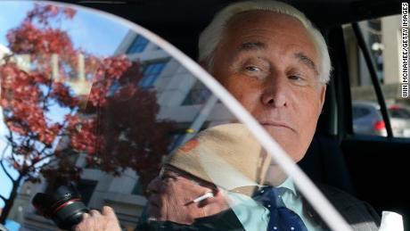 El ex fiscal de Stone dice que Stone recibió un trato diferente & # 39; debido a su relación con el presidente & # 39;