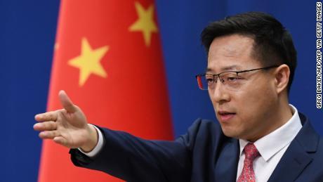 China ataca a Estados Unidos con nuevas restricciones mediáticas a medida que aumentan las tensiones