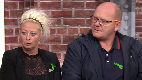 La familia de los 19 años dijo que no dejarán de hacer campaña por la justicia. En la foto, los padres de Dunn, Charlotte Charles y Tim Dunn, en el nuevo día de CNN.