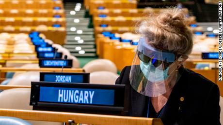 Embajador Katalin Annamaria Bogyay FRSA, FWAAS, Representante Permanente de Hungría ante las Naciones Unidas