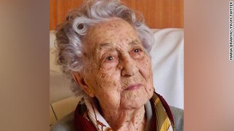 Español de 113 años habla después de sobrevivir al coronavirus
