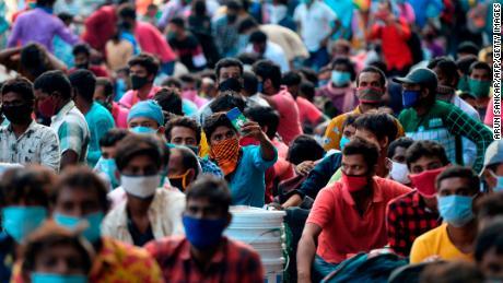 India registra 1 millón de casos de Covid-19 ... y son los más pobres los más afectados
