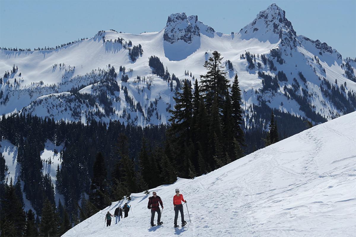 Cuerpo de uno de los tres hombres desaparecidos encontrados en el Monte Rainier