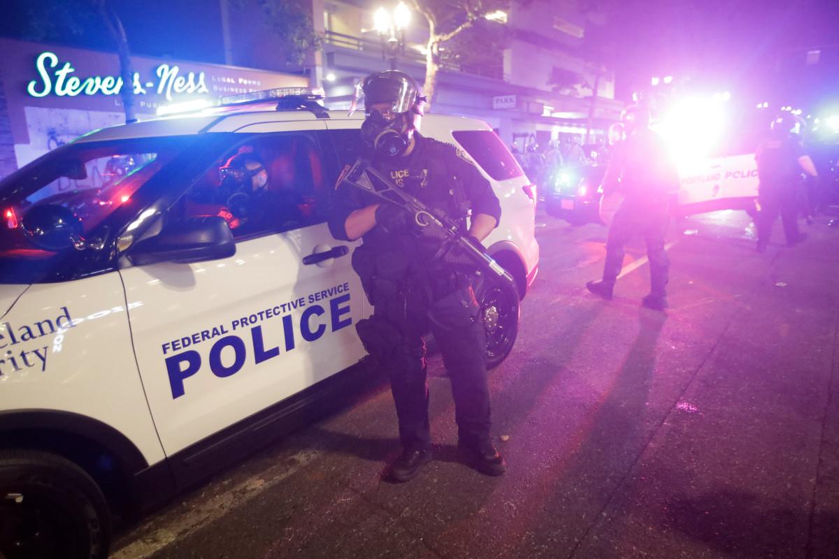 Dos personas arrestadas después de los disparos cerca del sitio de protesta de Portland