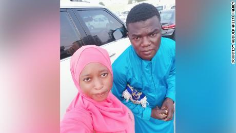 La pareja nigeriana Suliyat Abdulkareem y Tijani Abdulkareem en Dubai.