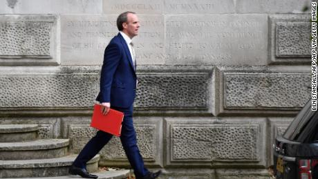 El secretario de Asuntos Exteriores del Reino Unido advierte que no se puede confiar en China & # 39; a medida que Londres aprueba la ley de sanciones al estilo Magnitsky
