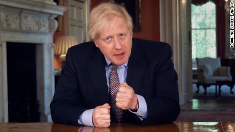 Boris Johnson es acusado de arruinar el anuncio de las nuevas reglas de bloqueo del Reino Unido