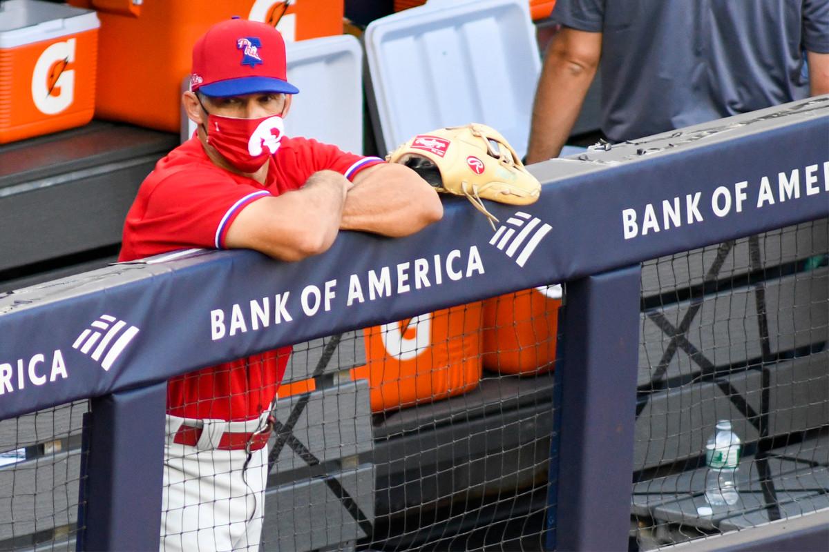 El regreso de Joe Girardi al Yankee Stadium lleno de torpeza
