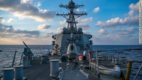 La Marina de los EE. UU. Presenta desafíos consecutivos a las reclamaciones del Mar del Sur de China de Beijing