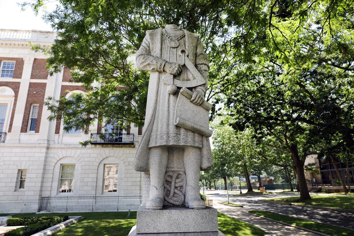 Estatuas de Cristóbal Colón destruidas durante el fin de semana del 4 de julio