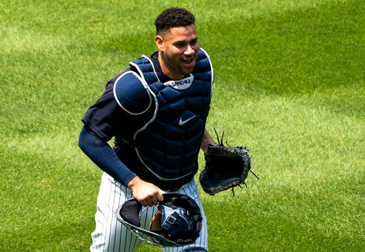 Gary Sanchez de los Yankees se abre en una nueva postura defensiva