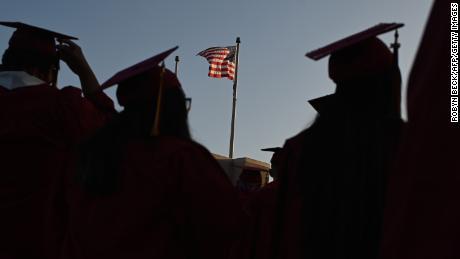 Un millón de estudiantes extranjeros se arriesgan a ser congelados de las universidades estadounidenses. Algunos tal vez nunca vuelvan