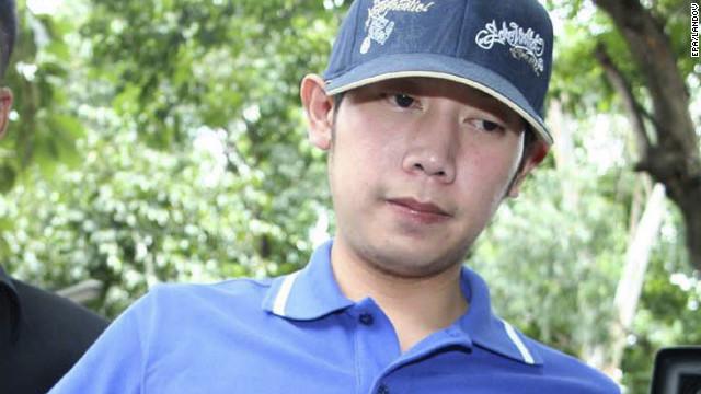Vorayuth Yoovidhya, nieto del creador de la bebida energética Red Bull, es arrestado en la estación de policía de Thong Lor en Bangkok, Tailandia, el 3 de septiembre de 2012.