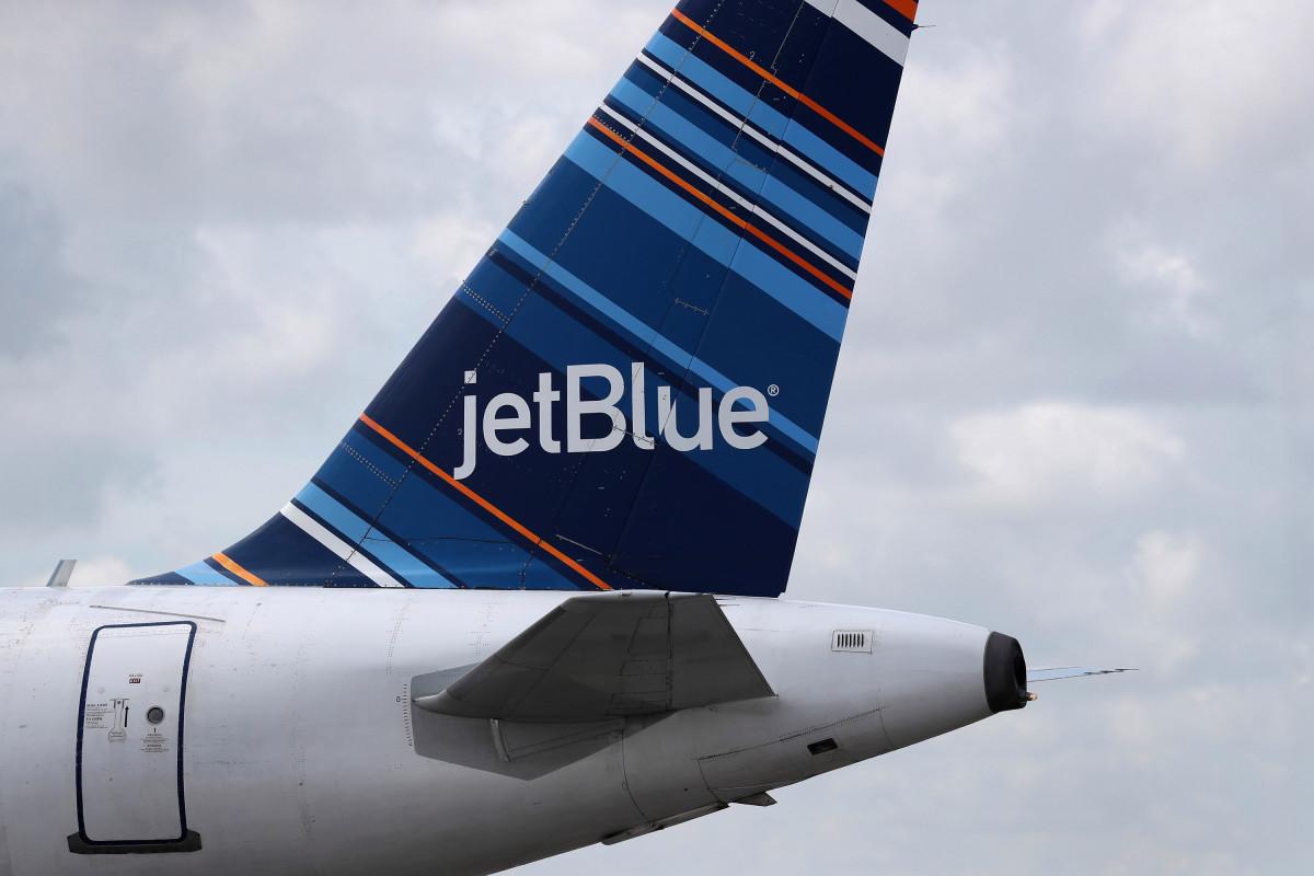 JetBlue probará tecnología de limpieza ultravioleta a bordo de aeronaves