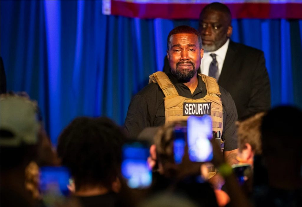 Kanye West aborda el estado mental y el colapso en el escenario