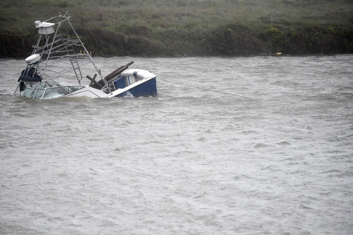 La tormenta tropical Hanna empapa el sur de Texas en medio de una crisis de virus