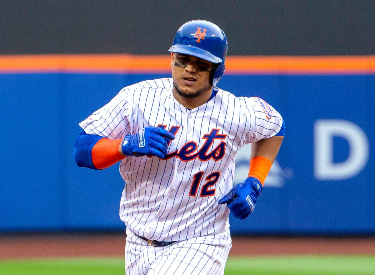 Los Mets traen de regreso a Juan Lagares y firman al veterano Brian Dozier