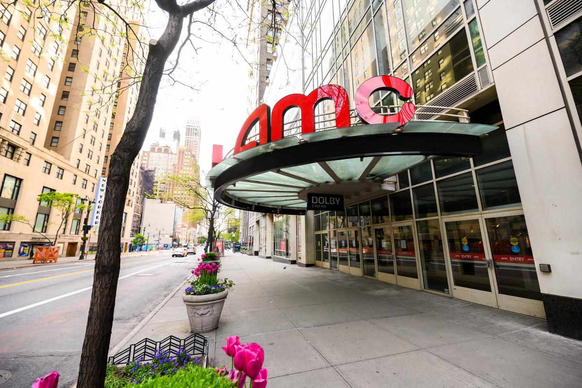 Los prestamistas de AMC intentan superar a Silver Lake en una oferta de reestructuración de deuda