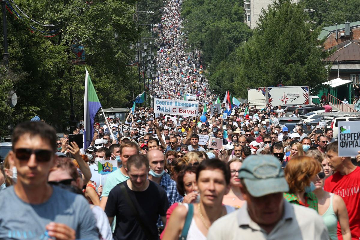 Miles de personas se manifiestan en Rusia por el octavo día de protestas contra Putin