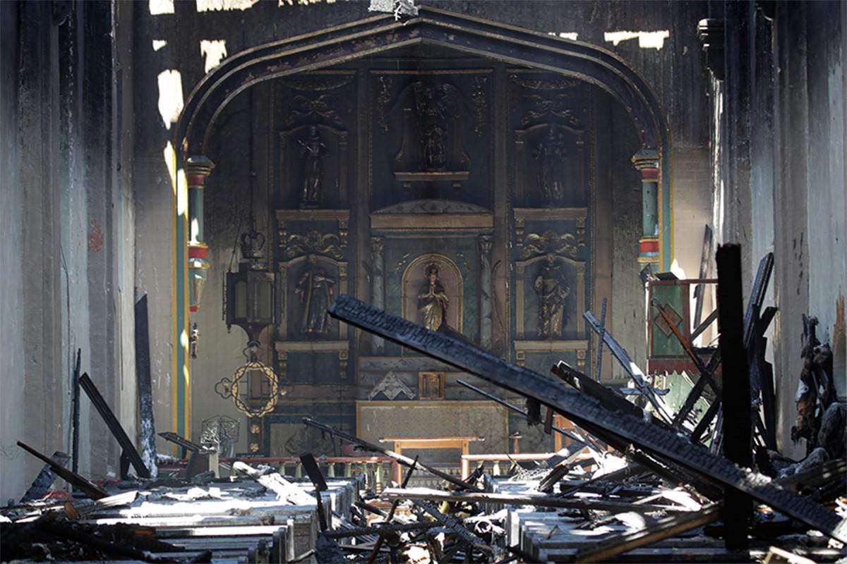 Misión de San Gabriel destruida en un incendio matutino
