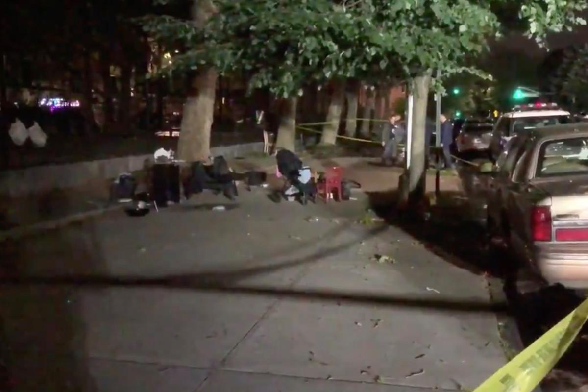 Niño de 1 año entre cuatro personas baleado fuera del parque de Brooklyn
