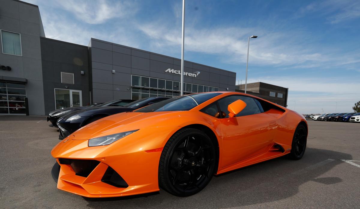 Un hombre de Miami sopló fondos de PPP en Lamborghini, sitios de citas, estadías en hoteles
