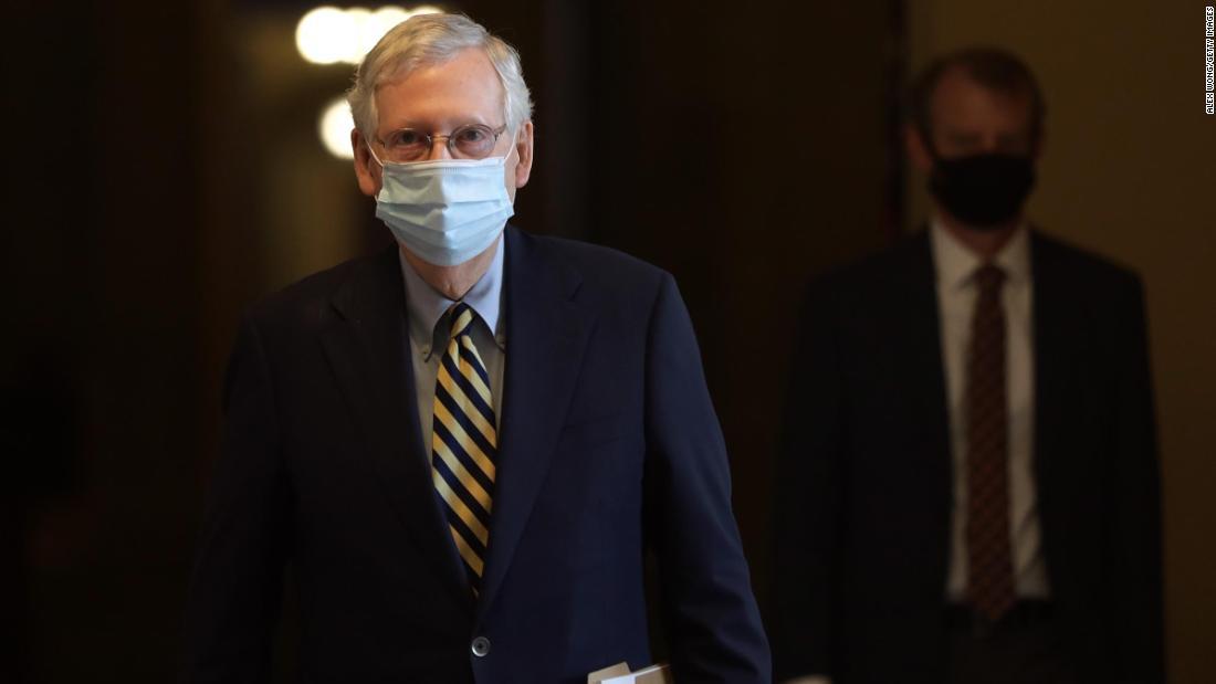 McConnell señala a los candidatos republicanos al Senado: distancia de Trump si es necesario