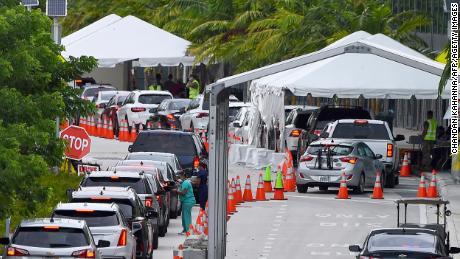 Florida establece un récord de muertes por coronavirus por cuarto día consecutivo