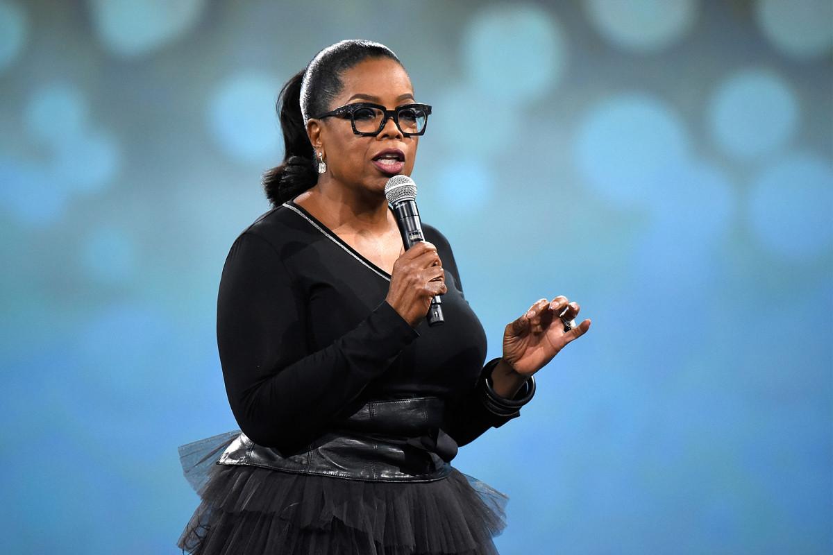 Oprah critica por llamar 'privilegio blanco' ya que es rica