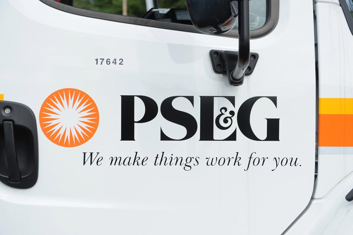 Los residentes de Long Island rasgan PSEG por un servicio al cliente deficiente después de Isaias