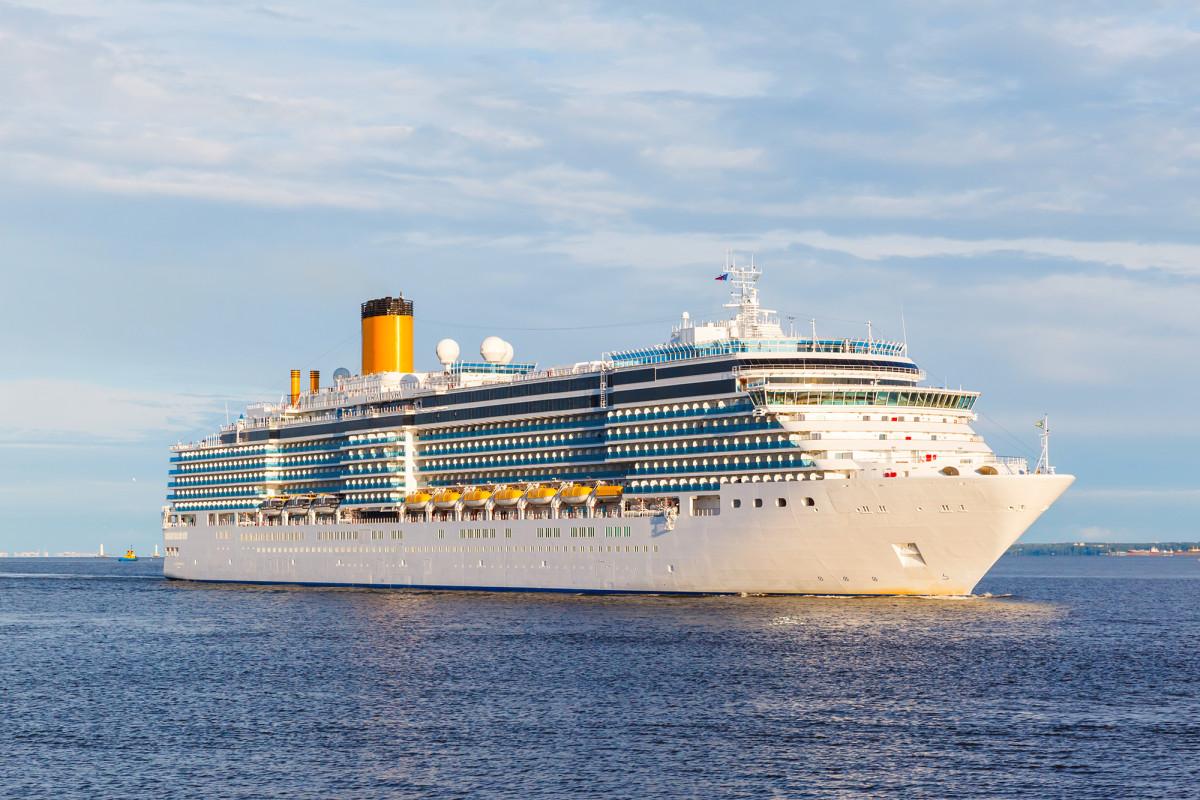 Asociación de grandes líneas de cruceros emite tercera suspensión