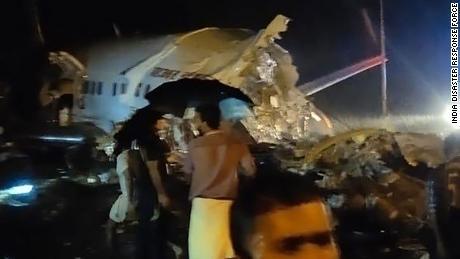 Al menos tres personas murieron en el incidente.