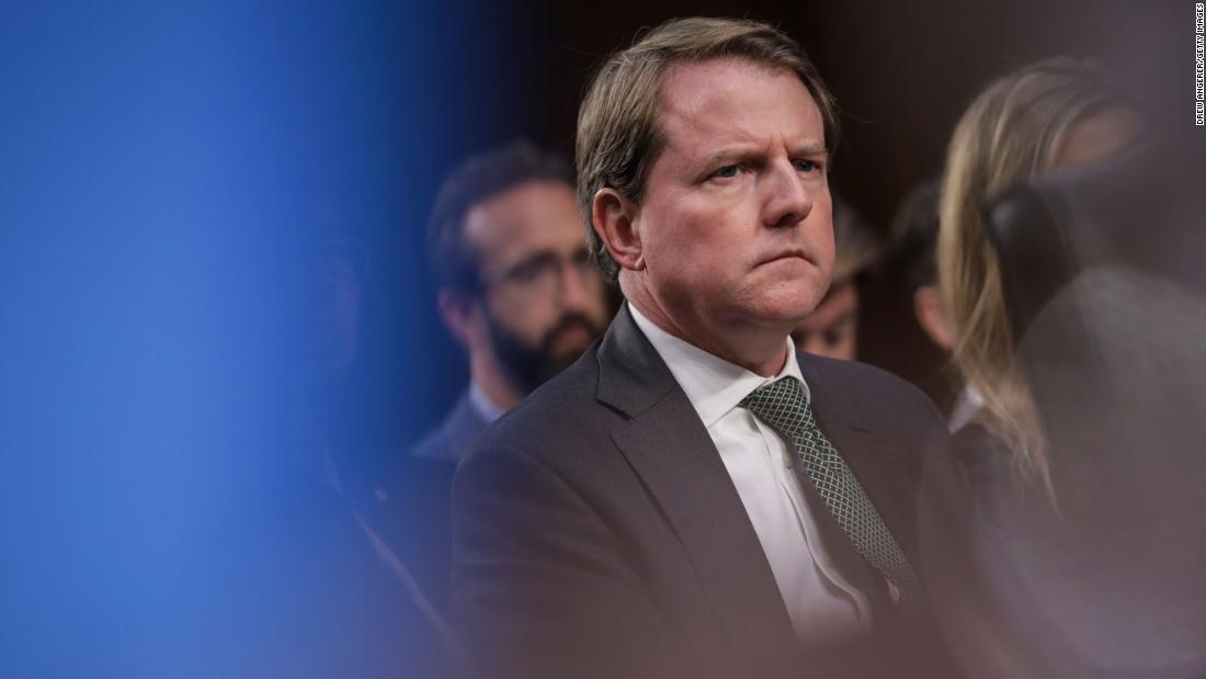Cámara puede citar a Don McGahn a testificar, dictamina la corte de apelaciones