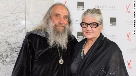 El mago de Christchurch y su compañera Alice Flett asisten al estreno mundial de The Changeover el 25 de septiembre de 2017 en Christchurch, Nueva Zelanda.