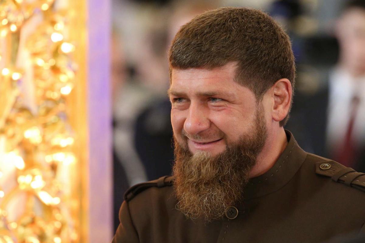 El gobernante checheno paga miles a los niños que escriben poemas que elogian a su familia