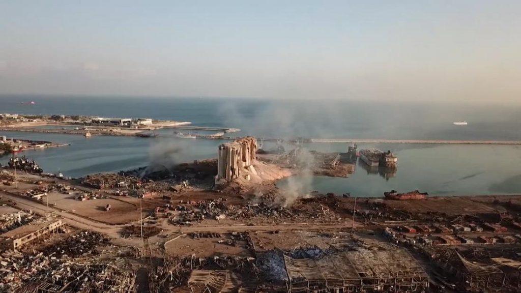 El gobierno de Líbano se dispone a dimitir el lunes tras la explosión de Beirut, dice la televisión estatal