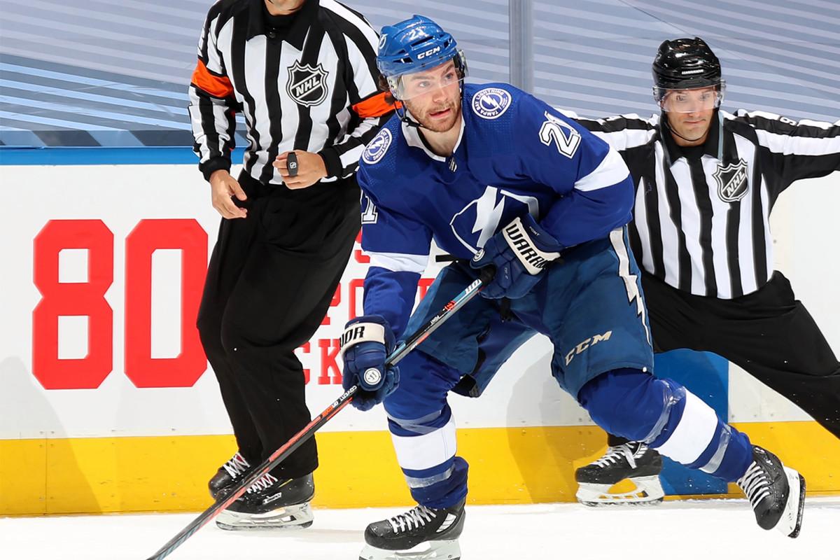 Los relámpagos superan a los Blue Jackets en el thriller de playoffs de la NHL de 5 tiempos