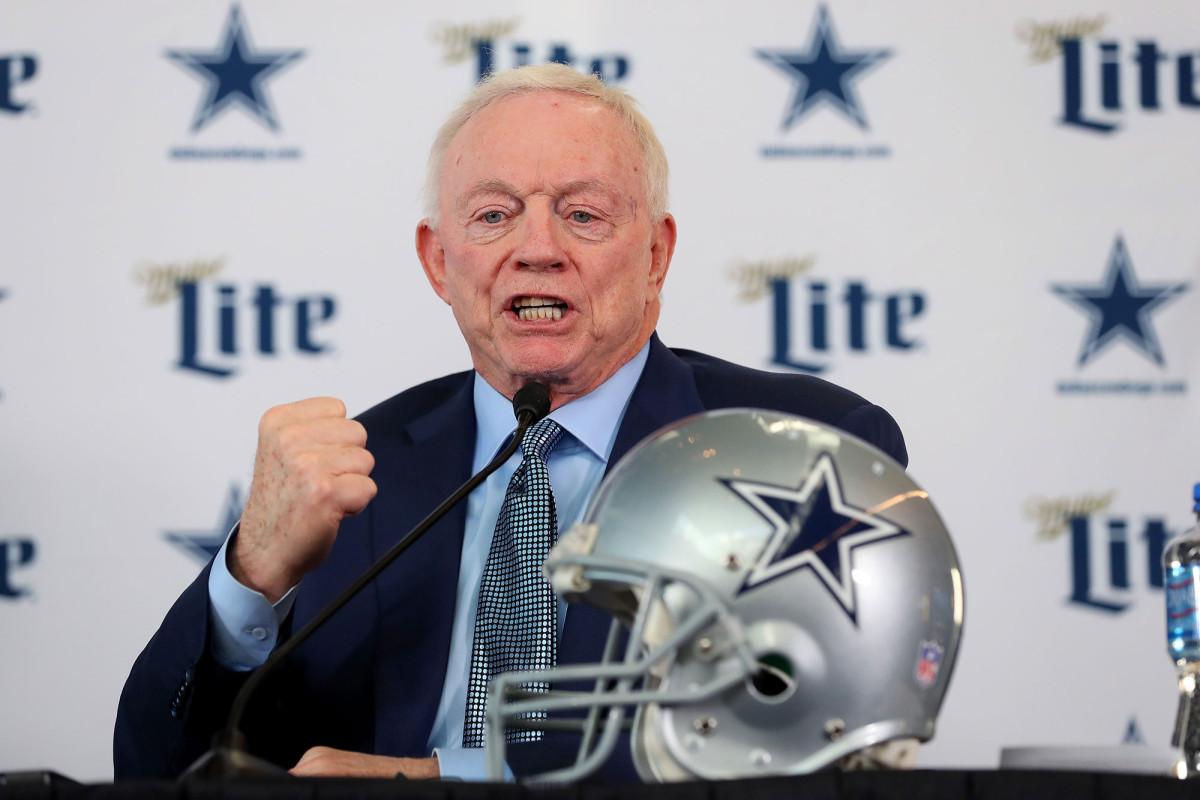 Jerry Jones planea tener fanáticos en todos los juegos de los Cowboys esta temporada