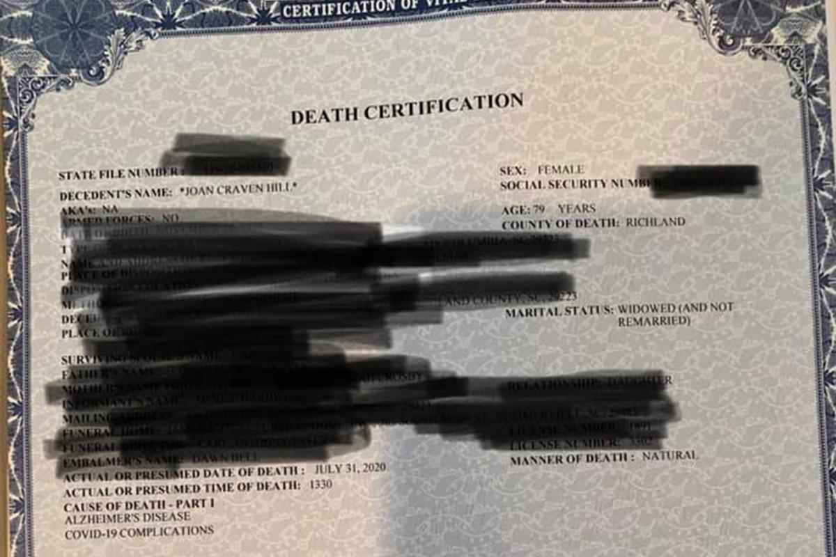 El certificado de defunción de la mujer enumera COVID-19 a pesar de que nunca se hizo la prueba